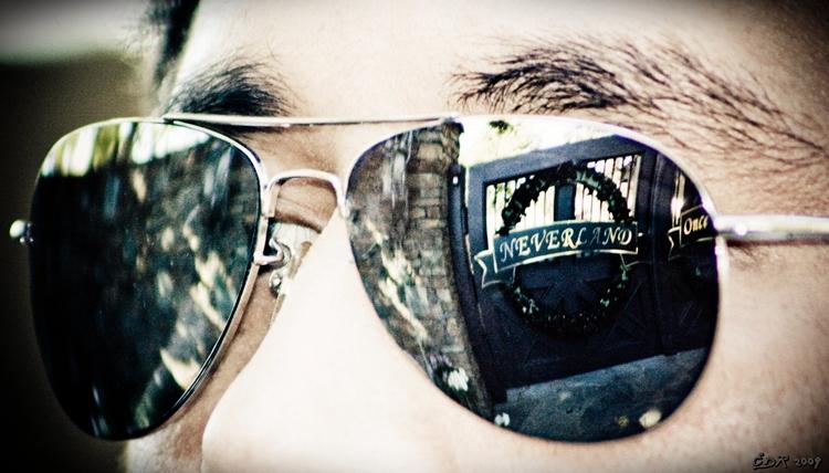 _neverland_reflection
